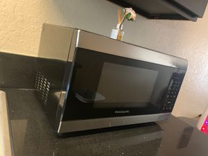 Frigidaire Microwave for Sale in Carlsbad, CA