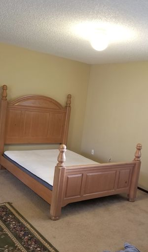 Sturdy rooms to go Queen bed with free box springs and mattress for Sale in Lynnwood, WA