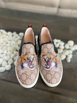 Gucci Slip-Ons for Sale in Tampa, FL