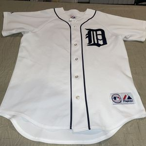 Adult Medium CleAn Detroit Tigers Jersey Majestic Men's MLB Baseball for Sale in Rochester Hills, MI