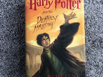 LIKE NEW hardback - Harry Potter And The deathly Hallows for Sale in Pickerington,  OH