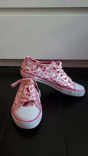 Hello Kitty Converse Sneakers Size 5 for Sale in Bakersfield, CA