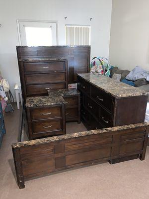 6 Piece Queen Bedroom Set for Sale in Riverside, CA