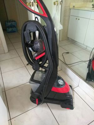 BISSELL® ProHeat Essential Complete Upright Carpet Cleaner for Sale in Pompano Beach, FL