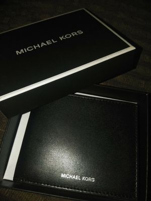 MICHAEL KORS MENS BRAND NEW WALLET IN BOX NEVER USED for Sale in Stockton, CA