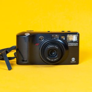 Minolta Freedom Zoom 105ex 35mm Point and Shoot Film Camera for Sale in Santa Ana, CA