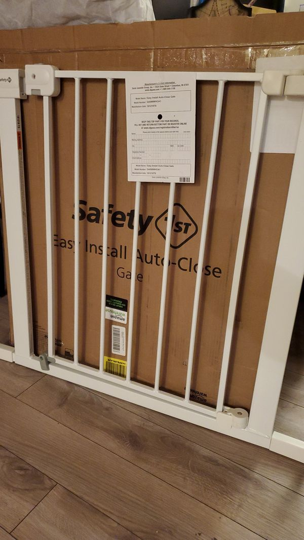 Safety 1st Auto-close baby gate