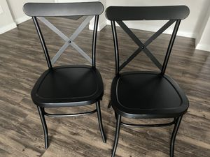 Cross Back Dining Chair (set of 2) for Sale in Commerce City, CO
