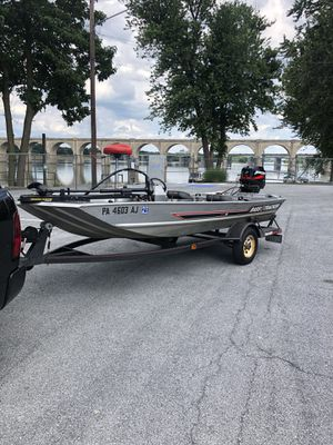 Bass tracker with 40 mercury jet for Sale in Enola, PA