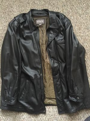 Men's leather coat for Sale in Bladensburg, MD