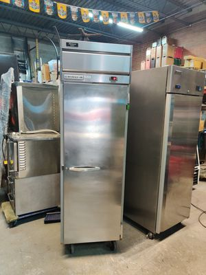 BEVERAGE AIR SINGLE DOOR COOLER for Sale in Chicago, IL