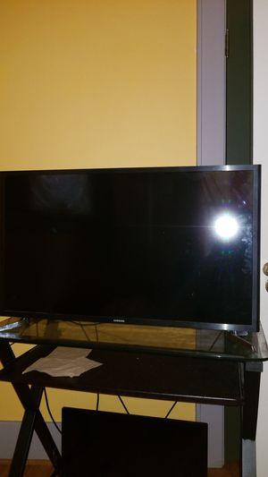 "32"" samsung smart tv for Sale in Portland, OR"