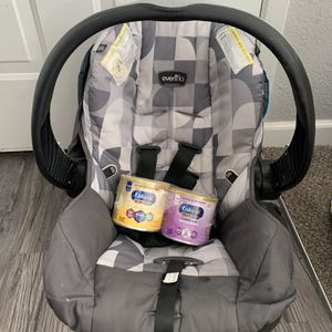 Baby Car Seat + Baby Formula for Sale in Las Vegas, NV