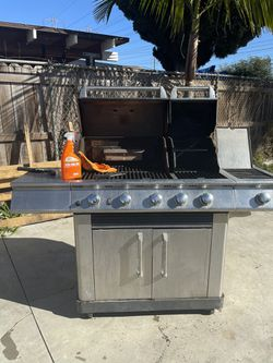Master Forge 4 Burner Bbq Grill for Sale in Long Beach,  CA
