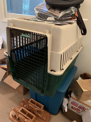 Medium sized Remington Dog Kennel for Sale in Fairfax, CA