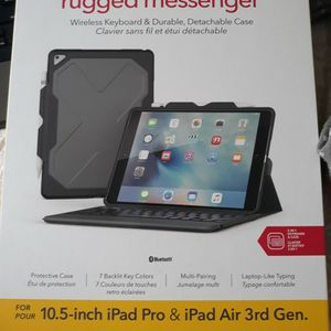 Zagging 10.5 Inch iPad Pro And iPad Air Case And Keyboard for Sale in Hagerstown, MD