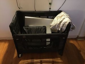 Arms Reach baby side crib/bed for Sale in Seattle, WA
