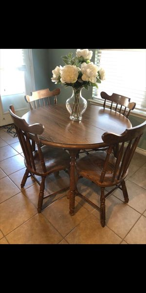 Kitchen table and chairs for Sale in McKinney, TX