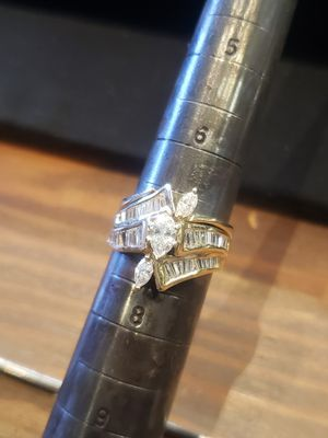 Beautiful diamond ring size 7 for Sale in Pflugerville, TX