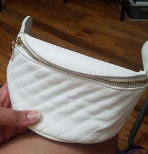 White and Gold fanny pack for Sale in The Bronx, NY