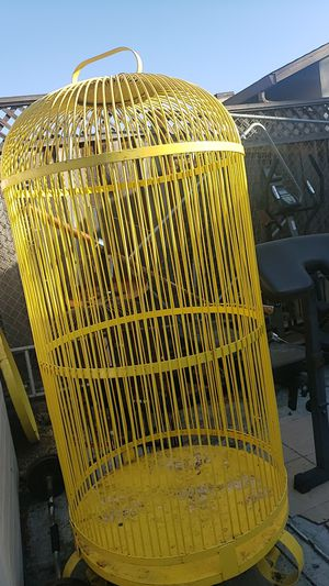 Big yellow bird cage for Sale in Hayward, CA