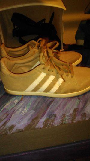 Tan Adidas samba sz 8 men for Sale in Chandler, AZ