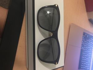 Gucci sunglasses comes with bag for Sale in Scottsdale, AZ