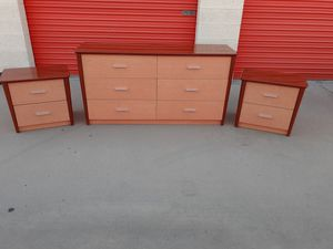 Beautiful elegant drawers dresser/nightstands for Sale in Colton, CA