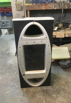 2 12s Qlink speaker box for Sale in Cleveland, OH
