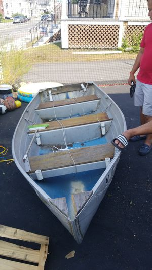 Aluminum boat 13ft. for Sale in Lowell, MA