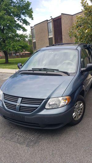 Excellent 2005 Dodge Caravan, clean, AC/heat, CD am/FM, gas saver $220 for Sale in Glenarden, MD