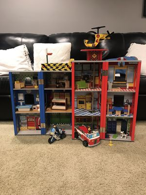KIDKRAFT EVERYDAY HEROES WOODEN POLICE AND FIRE STATION for Sale in Wayne, IL