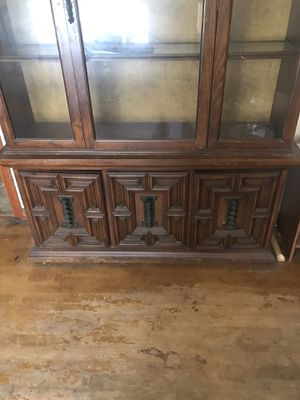 China cabinet and matching dresser or sideboard for Sale in Chicago, IL