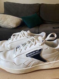 Women's Size 8 Reebok Sneakers for Sale in Atlanta,  GA