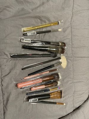 Random makeup brushes for Sale in Fremont, CA