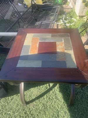 Nice small table for Sale in Fresno, CA