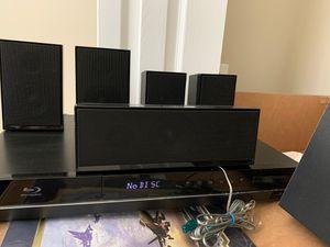 Samsung Blu-ray player with surround sound system for Sale in Ridgeland, SC