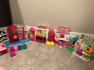 SHOPKINS bakery, candy shop, makeup spot, and shoe dazzle combo!! for Sale in Lake Oswego, OR
