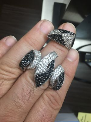 Ring /Earring /Pendant .. Entire Set 18 K Set W Black And White Dia ,20.40 Grams for Sale in Burbank, CA
