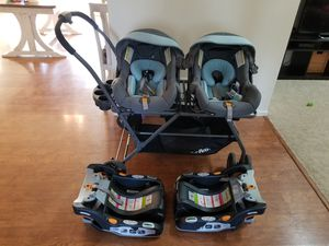 Joovy Twin double stroller and carseats for Sale in San Diego, CA