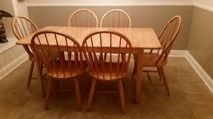 Kitchen table w/ chairs. Oak table. 36 wide x 66 long. Thats included with a leaf. for Sale in Dunedin, FL