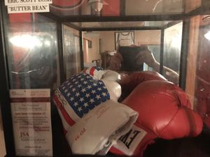 Signed butterbean and ray Mancini gloves for Sale in Virginia Beach, VA