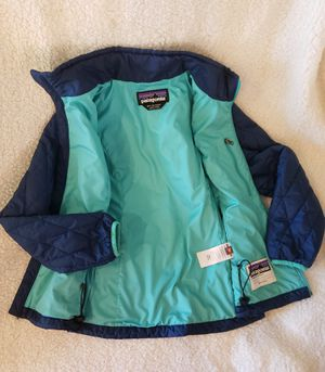 Patagonia girls Med jacket fits WMS XXS for Sale in Chicago, IL