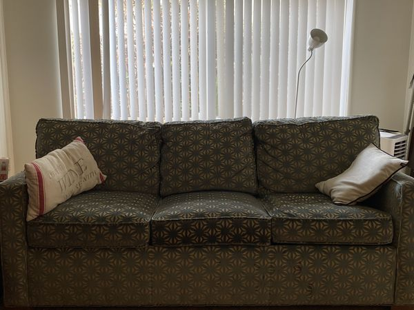 Couches With Pullout