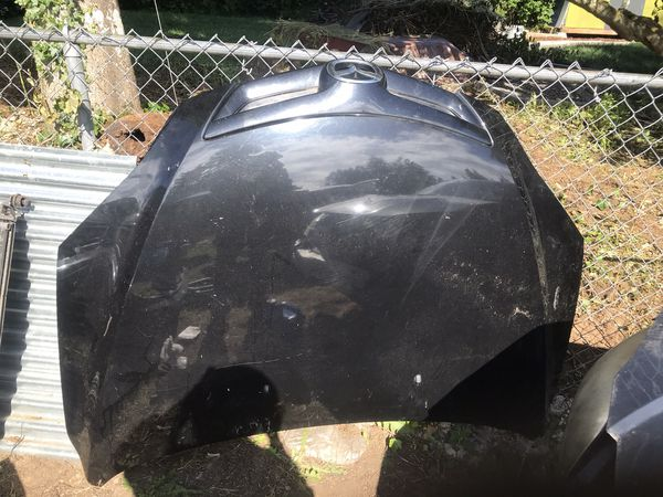 Mazda 3 hood black excellent condition 2004 to 2009i have more parts radiator and radiator soport