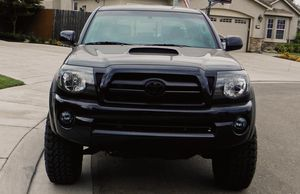 Selling Gorgeous 2007 Toyota Tacoma Clear titile for Sale in St. Louis, MO