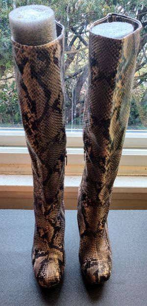 Snakeskin look all man made chunk heel knee high boots by Worthington size 10m for Sale in TN OF TONA, NY