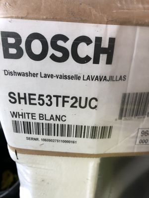 White Bosch dishwasher new unopened for Sale in Bowie, MD