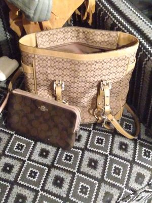 Coach purse and wallet for Sale in Beaumont, TX