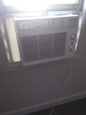New window a/c for Sale in Hillisburg, IN